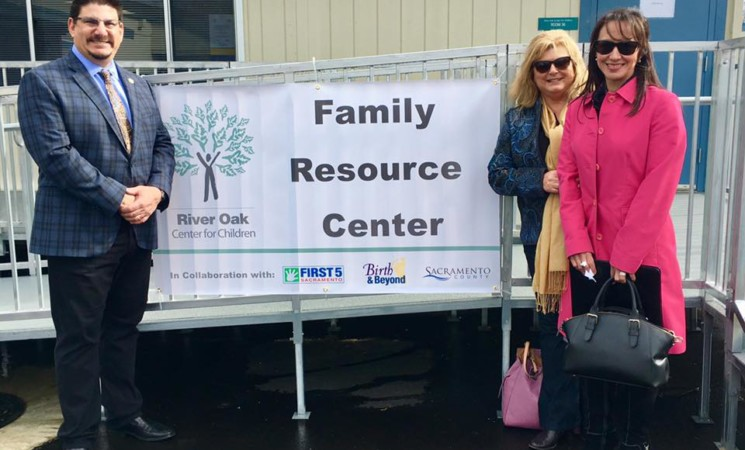 New family resource center opens doors in South Oak Park / Fruitridge Pocket neighborhood
